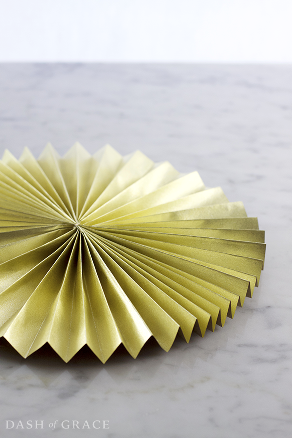Paper Fan/ Paper Rosette DIY - Dash of Grace
